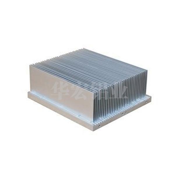 华宏铝业插片散热器